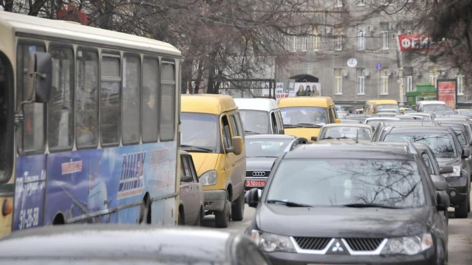 Власти хотят сохранить схему движения маршрутки №61 в Воронеже