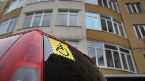 С парковочных мест для инвалидов в Воронеже эвакуировали 5 тыс машин за год