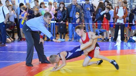 Команда эртильских борцов стала призером межрегионального турнира