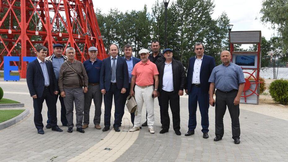 Дагестанские энергетики посетили цифровые энергообъекты в Воронежской области