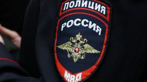 В Воронеже рецидивист ударил ножом приятеля из-за денег