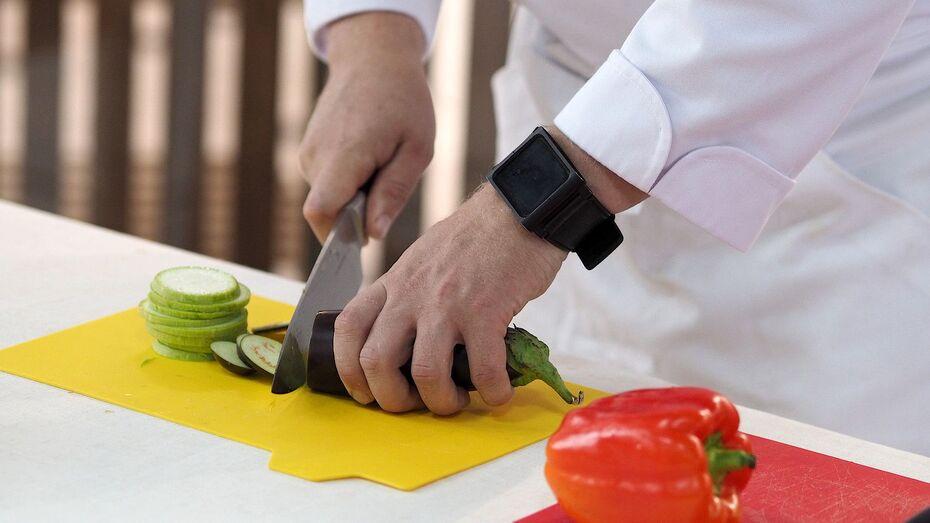 Спрос на поваров и официантов увеличился в Воронежской области в полтора раза