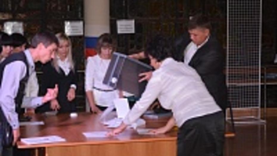 В Калачеевском районе на выборах губернатора проголосовали около 65% избирателей