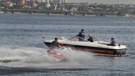 Спасатели насчитали в Воронежском водохранилище 500 отдыхающих за выходные