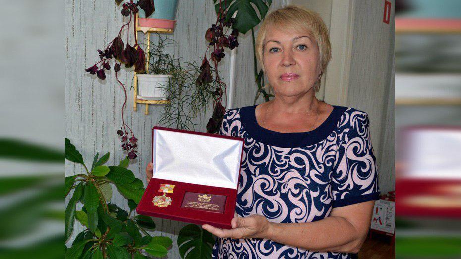 Главу репьевского села Колбино наградили «Благодарностью от земли Воронежской»