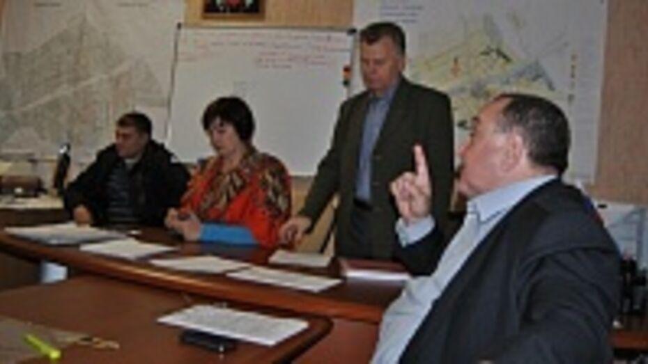 В Семилукском районе депутаты подали в суд на главу администрации Латненского городского поселения
