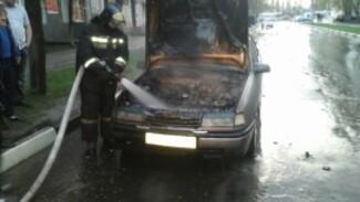 В Воронеже вечером сгорела легковушка