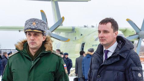 Замминистра обороны проинспектировал строительство самолетов Ил-112В в Воронеже