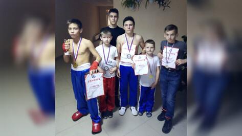 Каменские кикбоксеры завоевали 2 «золота» на открытых соревнованиях в Воронеже