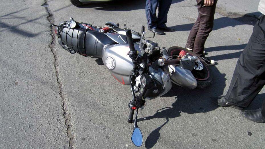 Несовершеннолетний мотоциклист попал в больницу после ДТП в Воронеже