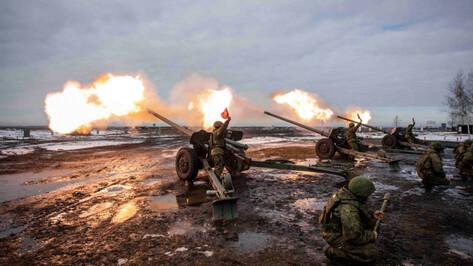 Военные показали подготовку к салюту 23 февраля в Воронеже