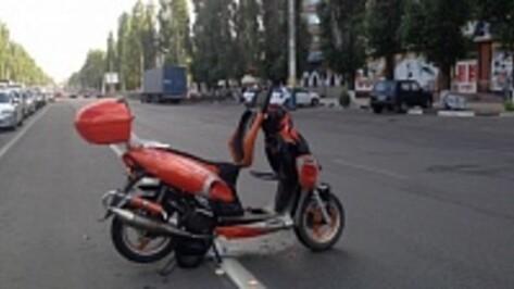 В Воронеже сын сбитой скутеристом женщины попросил откликнуться свидетелей ДТП