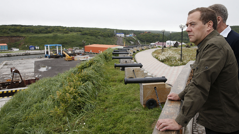 Дмитрий Медведев утвердил права России на участок шельфа Охотского моря