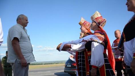 Генерал Лотенков предложил Острогожску стать побратимом белорусского города