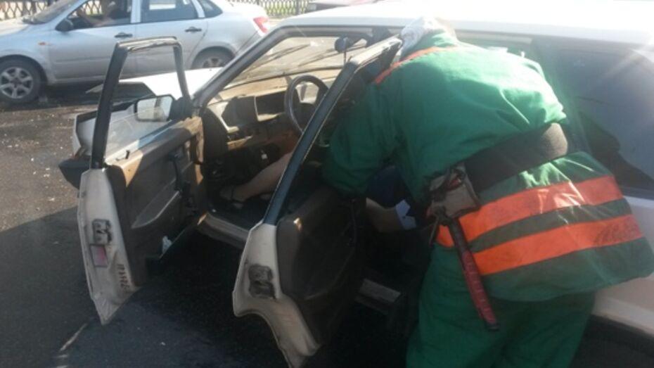 Водитель без прав спровоцировал ДТП с пострадавшими в центре Воронежа