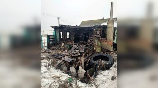 После пожара с 3 погибшими в воронежском селе возбудили уголовное дело