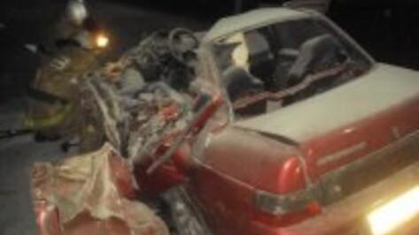Водитель «ВАЗа» разбился на трассе М4 в Воронежской области