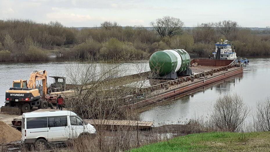 Баржа с реактором для Курской АЭС-2 застряла на Дону в Воронежской области