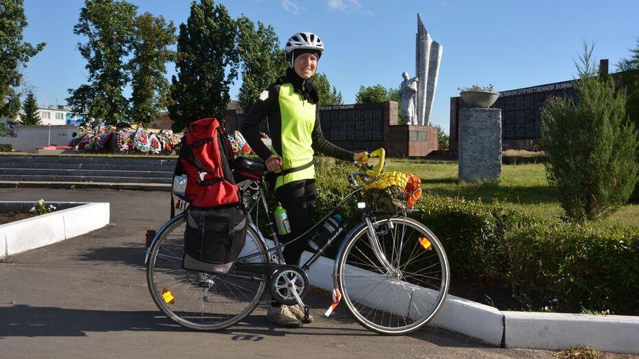 В Кантемировке побывала 27-летняя велопутешественница из Москвы