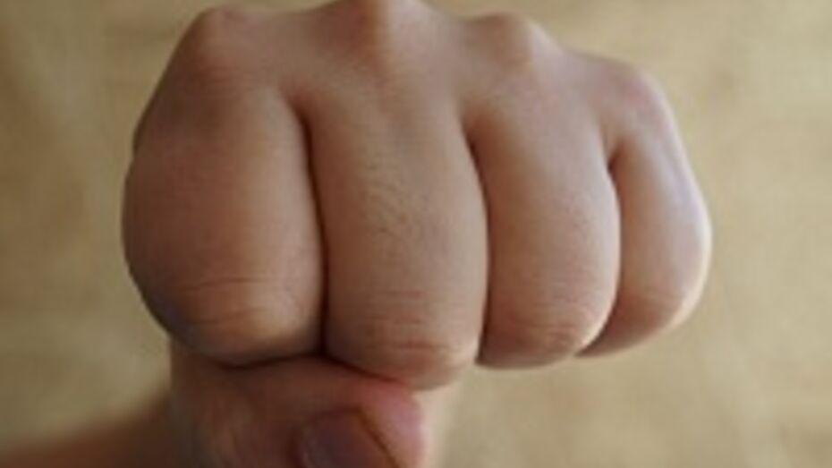 В Воронежской области суд оштрафовал подростка за избиение полицейских