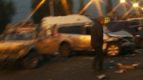 В ДТП с 6 машинами в Воронеже пострадали 2 человека