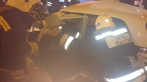 В Воронеже три автомобиля столкнулись в Коминтерновском районе
