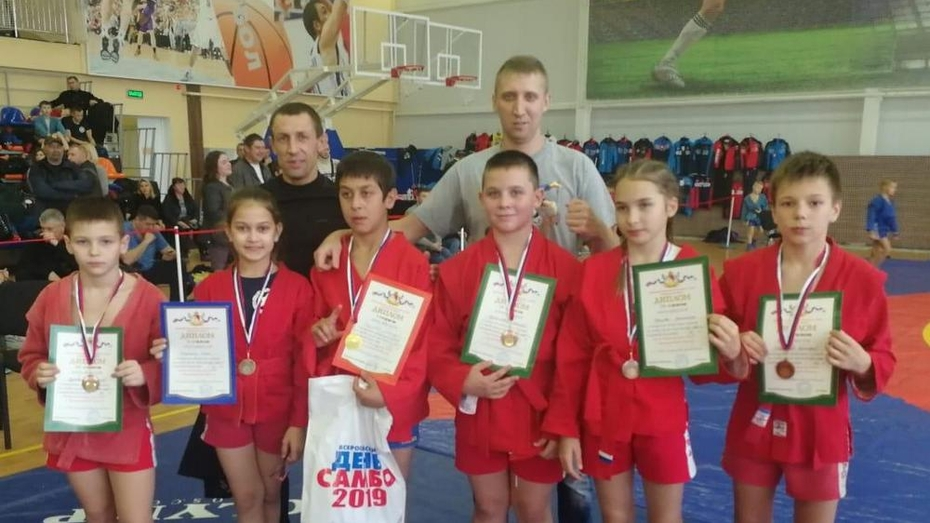 Лискинский самбист взял «золото» открытого областного турнира