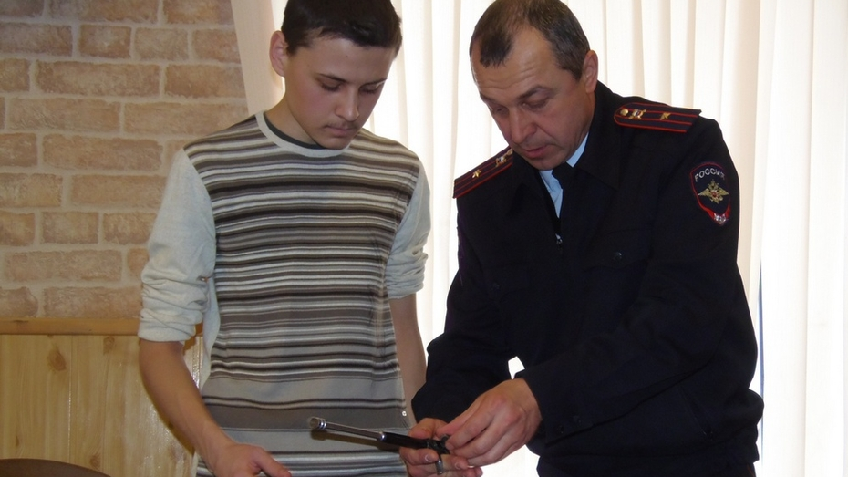 Верхнемамонская полиция впервые провела всероссийскую акцию «Студенческий десант»