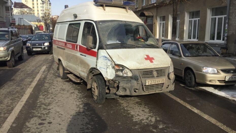 Медики Воронежа о разбившей 6 автомобилей «скорой»: «Это была не наша машина»