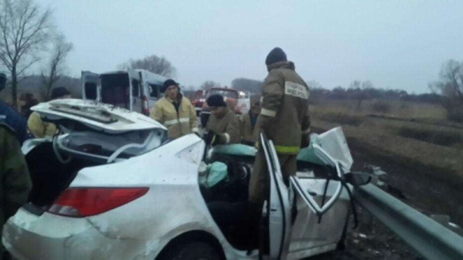 Полиция возбудила дело о гибели 3 человек в ДТП с маршруткой в Воронежской области
