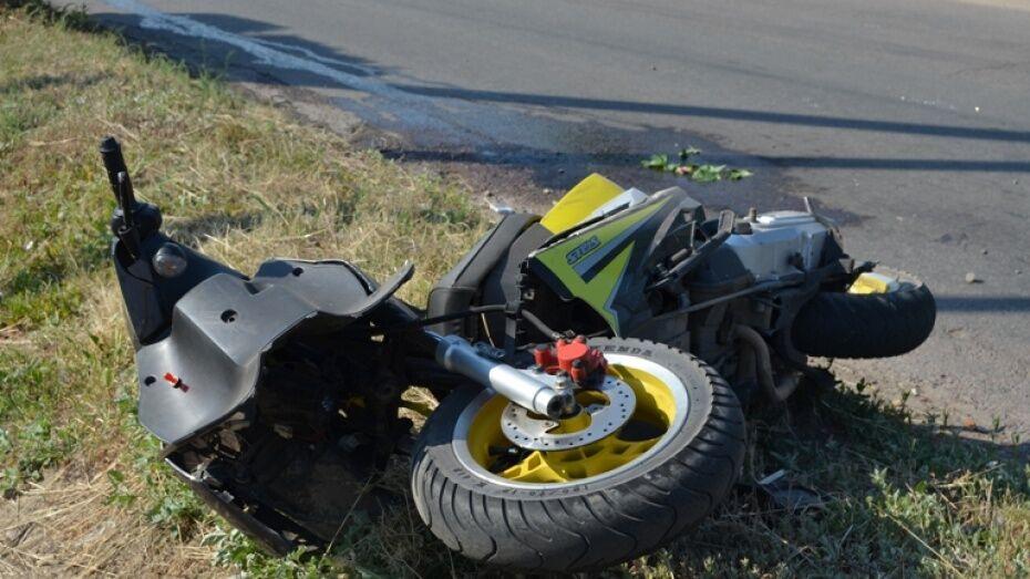 В Лисках скутер врезался в отбойник транспортного тоннеля