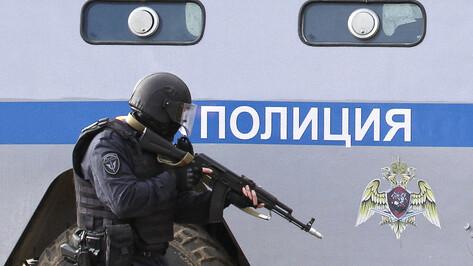 В Воронеже сотрудники Росгвардии задержали 3 парней, которые повредили 19 автомобилей