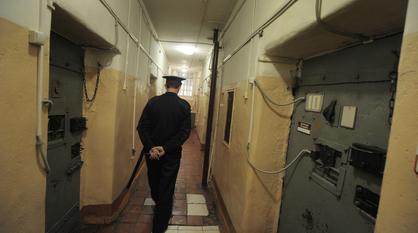 Начальник колонии в Воронежской области использовал осужденных как рабов на даче отца