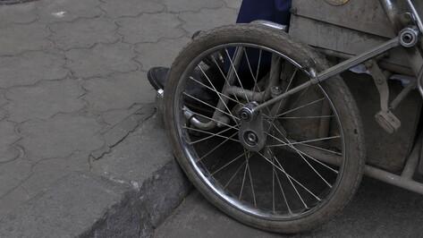 Человека на инвалидной коляске сбили в Воронеже