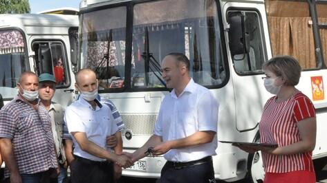 Репьевское транспортное предприятие получило 2 новых автобуса