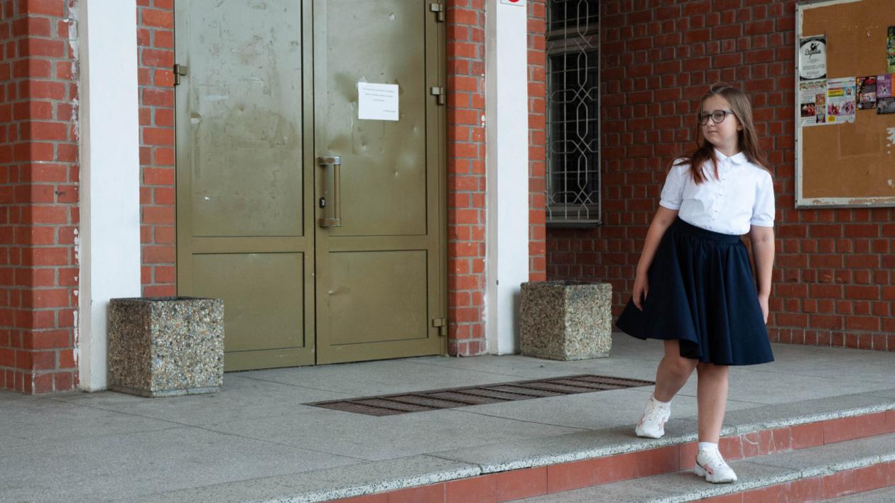 Опрос РИА «Воронеж». Допустимы ли кроссовки на школьной линейке?