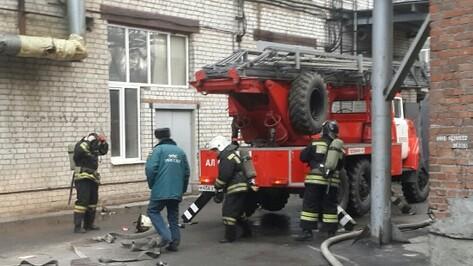 В Воронеже загорелся склад завода «Верофарм»