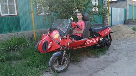 Житель Ольховатки смастерил скутер для друга-инвалида