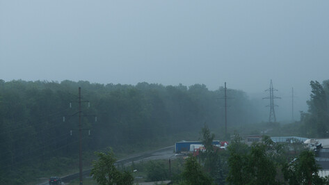 Сегодня в Воронежской области ожидаются сильные дожди, грозы, местами град