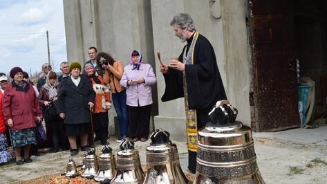 В рамонское село привезли 8 колоколов для восстанавливаемого храма