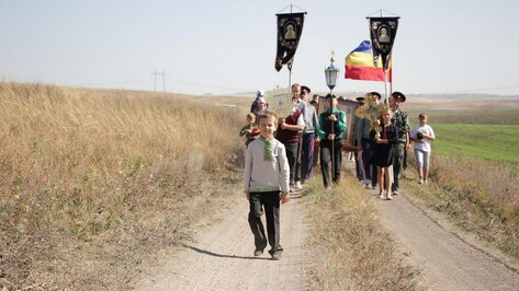 Репьевские казаки приняли участие в поминальном крестном ходе