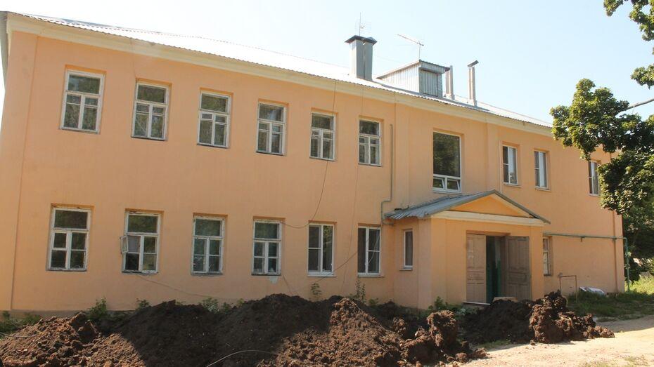В Хохольском районе впервые капитально отремонтируют 100-летний дом