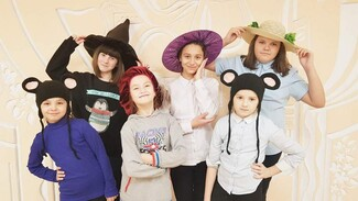 В Репьевке проведут конкурс костюмов с необычными головными уборами «Все дело в шляпе»