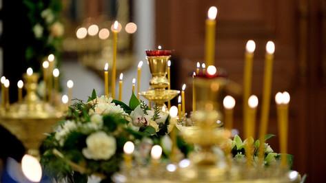 В Успенском храме в Воронеже COVID-19 заболели певчая и священник