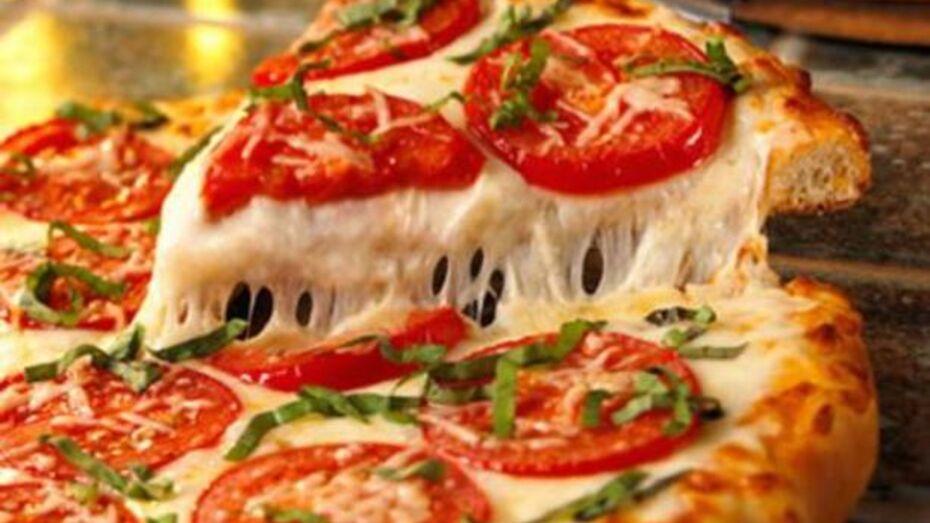 В Подгоренском районе испекли огромную пиццу