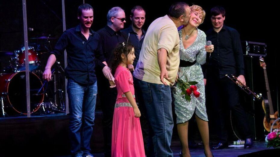 На концерт Любови Успенской в Воронеже пришел цыганский табор