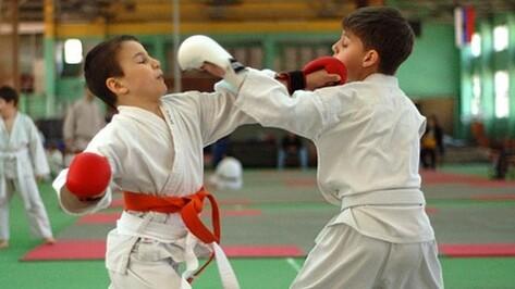 Поворинские спортсмены успешно выступили на межрегиональном турнире по каратэ WKF