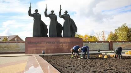 Воронежские экологи начали готовить городские цветники к весне