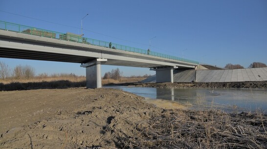 Обрушившийся мост через реку Савала в Воронежской области восстановили