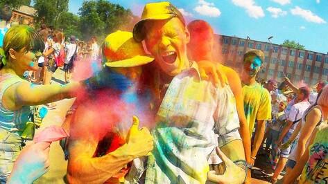 Семилукцы приняли участие в фестивале красок